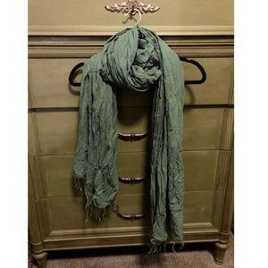 Lightweight GAP scarf